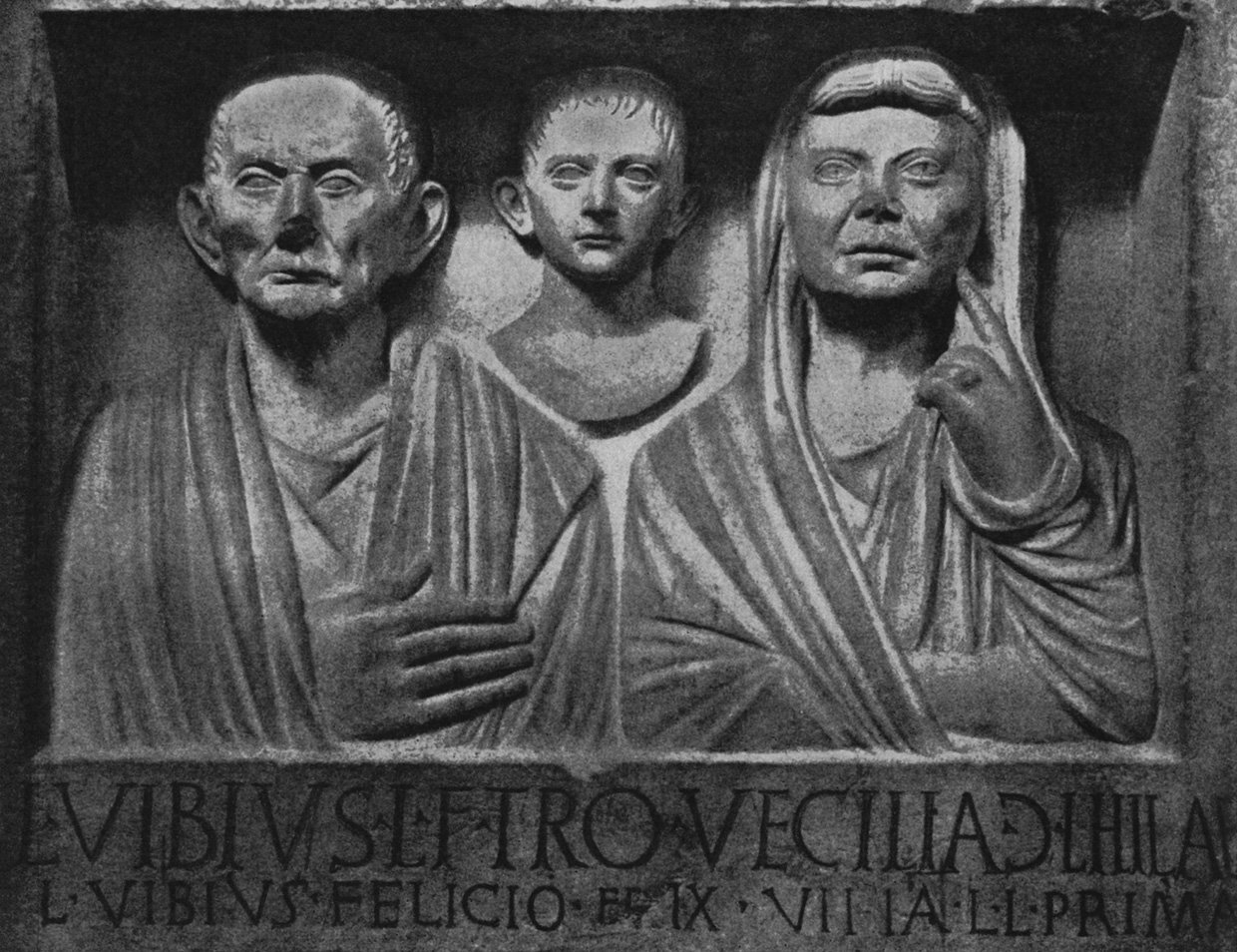 Headstone of the Vibii. Limestone. Second half of the 1st century BCE. Rome, Vatican Museums, Chiaramonti Museum, XLIV. 21