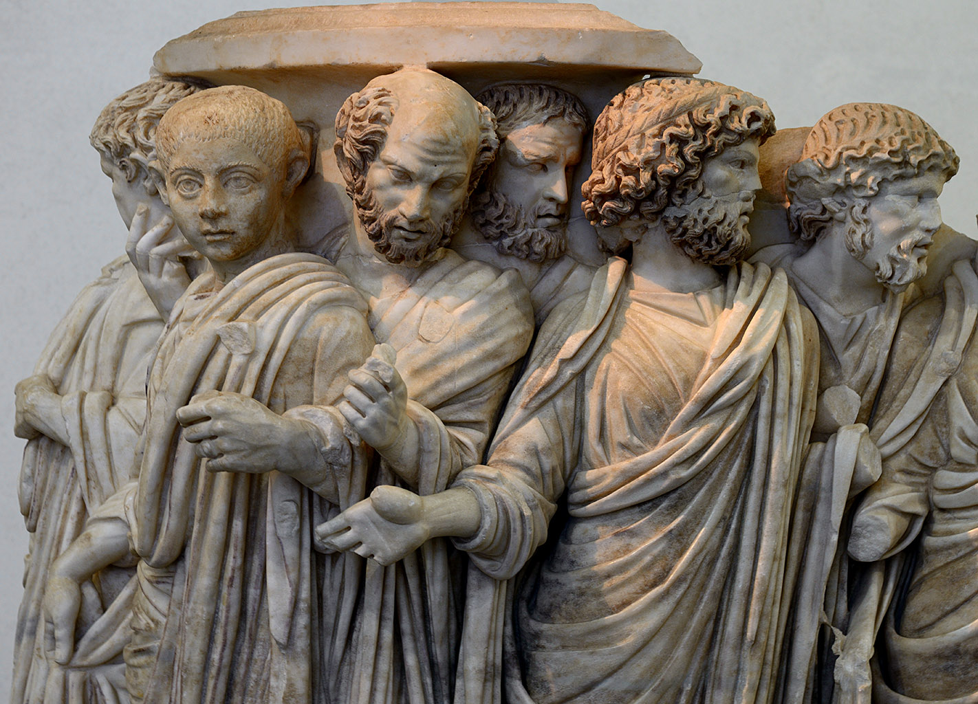 A lenos sarcophagus with processus consularis (a procession for the appointment of a Consul). Detail. Greek marble (Parian?). Rome, c. 270 CE. Inv. No. 126372. Rome, Roman National Museum, Palazzo Massimo alle Terme