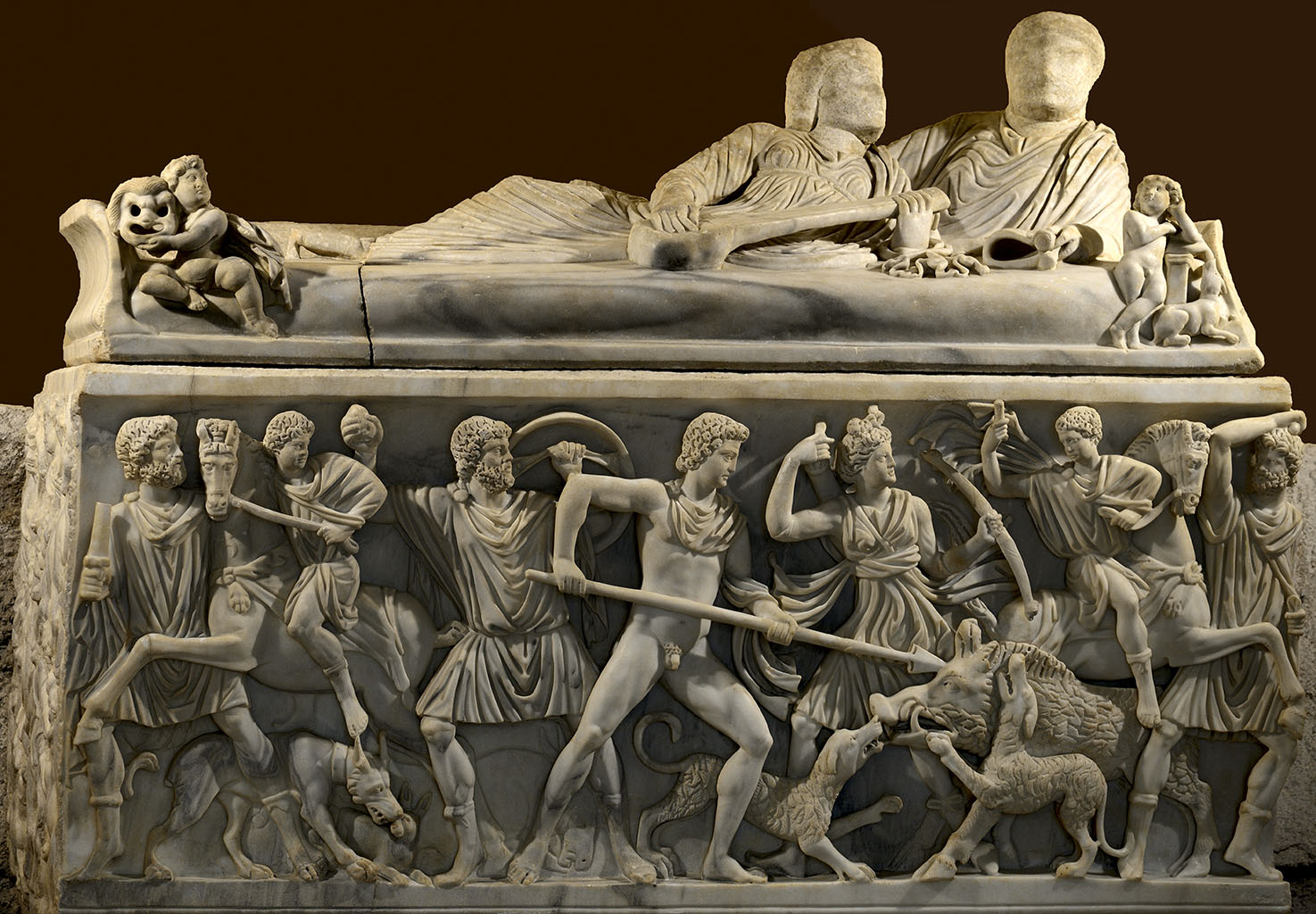 Sarcophagus with a scene of the Calydonian Hunt. Proconnesian marble. Mid-3rd cent. CE.  Inv. No. 917. Rome, Capitoline Museums, Palazzo dei Conservatori