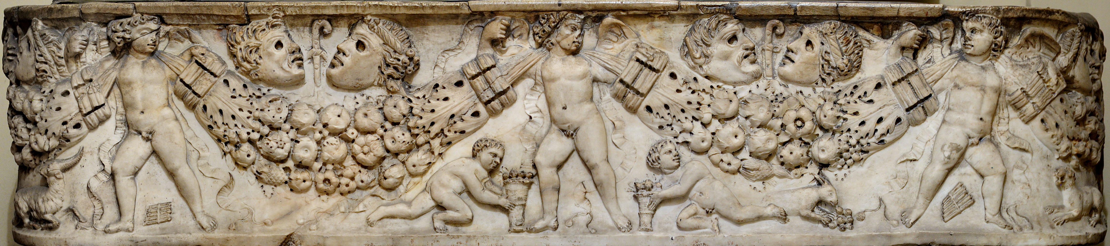 Sarcophagus with Eroses and garlands. White marble. 2nd—3rd cent. CE. Asia Minor. Inv. No. 204. Milan, Poldi Pezzoli Museum