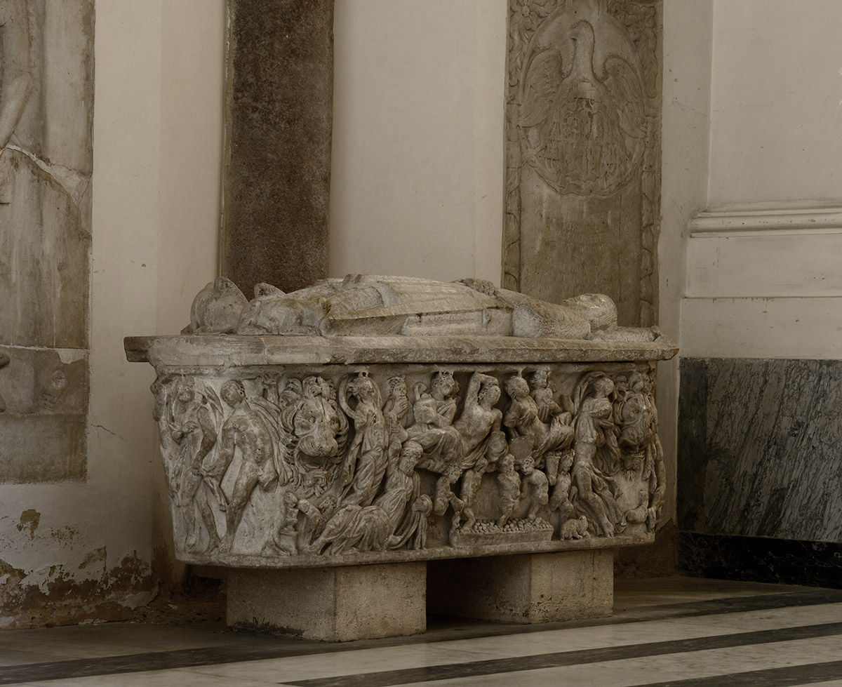 Dionysiac lenos-sarcophagus with the vintage scenes. White marble. Beginning of the 3rd cent. CE. L 2.05 m; H 0.61 m. Salerno, Cathedral