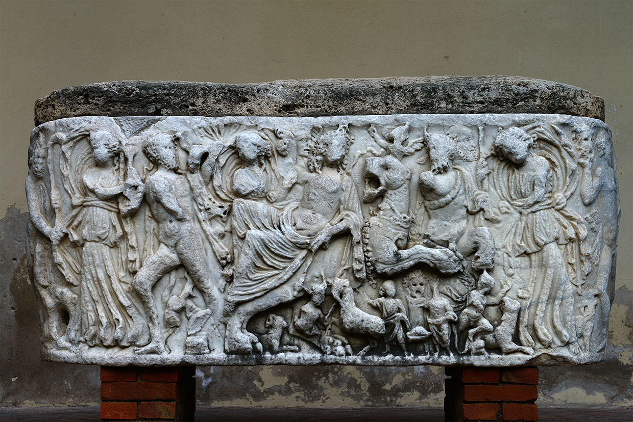 Lenos-sarcophagus with Dionysus on a panther. White marble. Late 2nd—early 3rd centuries CE.  Salerno, Cathedral