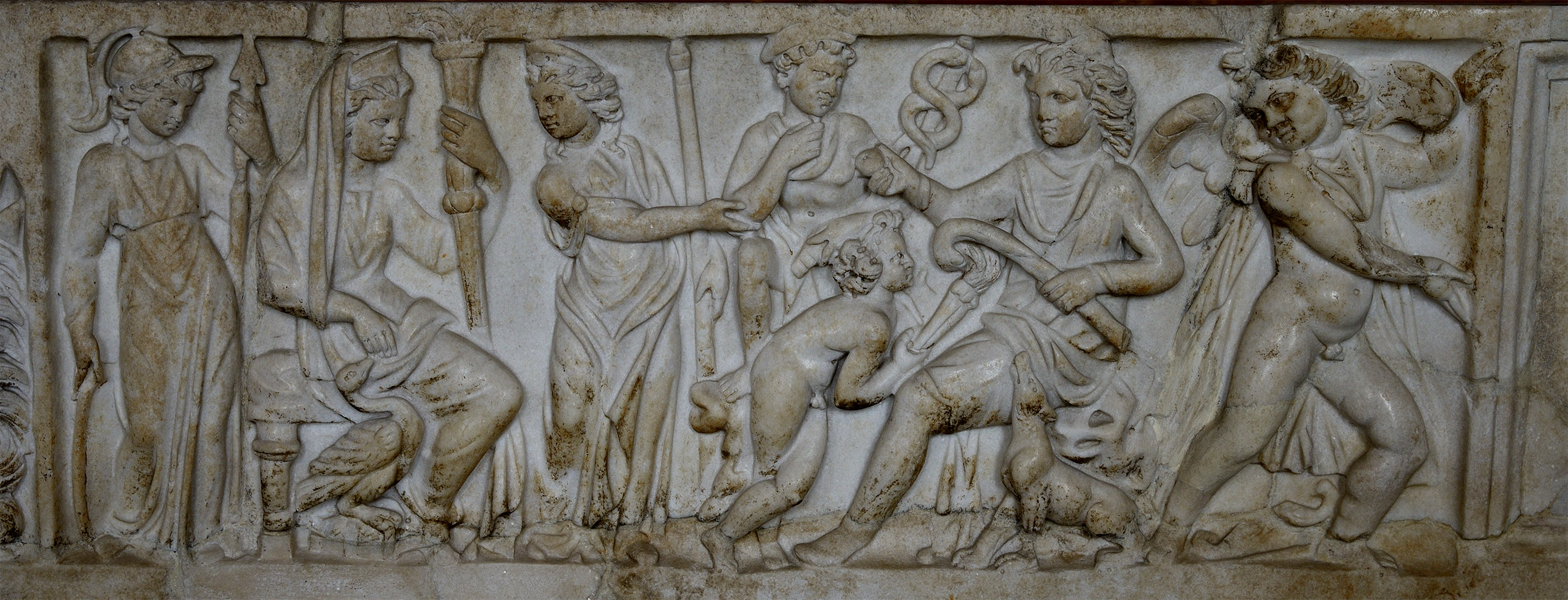 Judgement of Paris (a close-up of a lid of sarcophagus with a myth of Selene and Endymion). Marble. Ca. 235 CE. Inv. No. Ma 1335. Paris, Louvre Museum