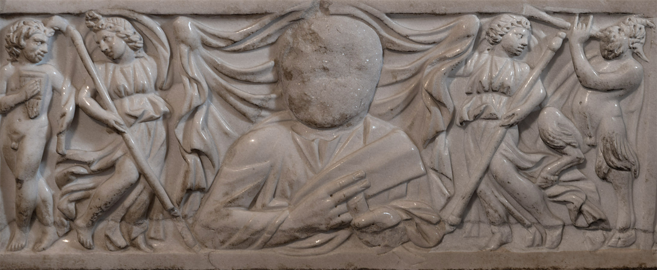 A blank workpiece for a portrait of the deceased among dionysiac companions (a close-up of a lid of sarcophagus with a myth of Dionysus and Ariadne). Marble. Ca. 235 CE. Inv. No. Ma 1346. Paris, Louvre Museum