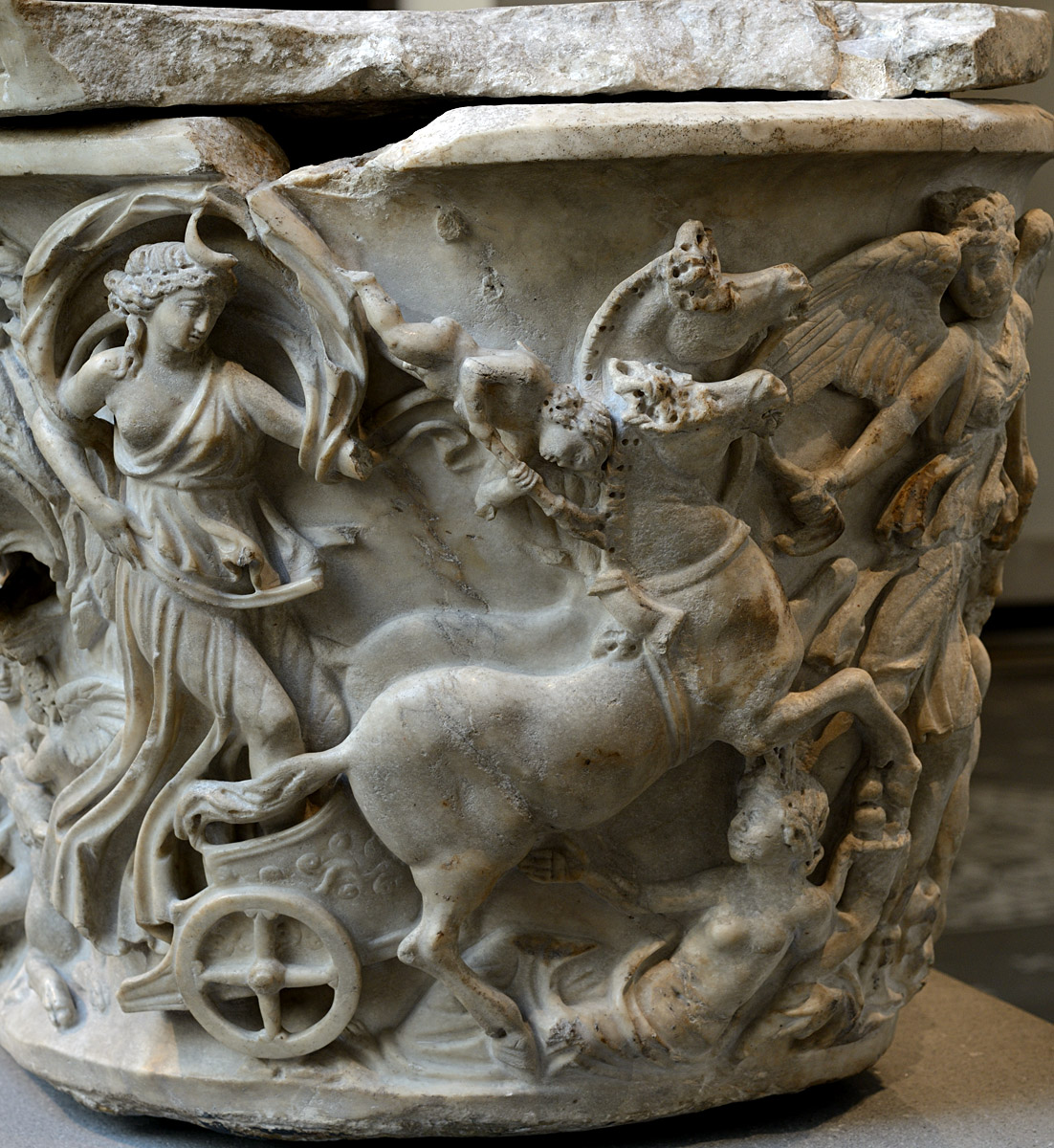 Sarcophagus with a myth of Selene and Endymion. Left end relief. Marble. Early 3rd cent. CE. Inv. No. 47.100.4a. New York, the Metropolitan Museum of Art