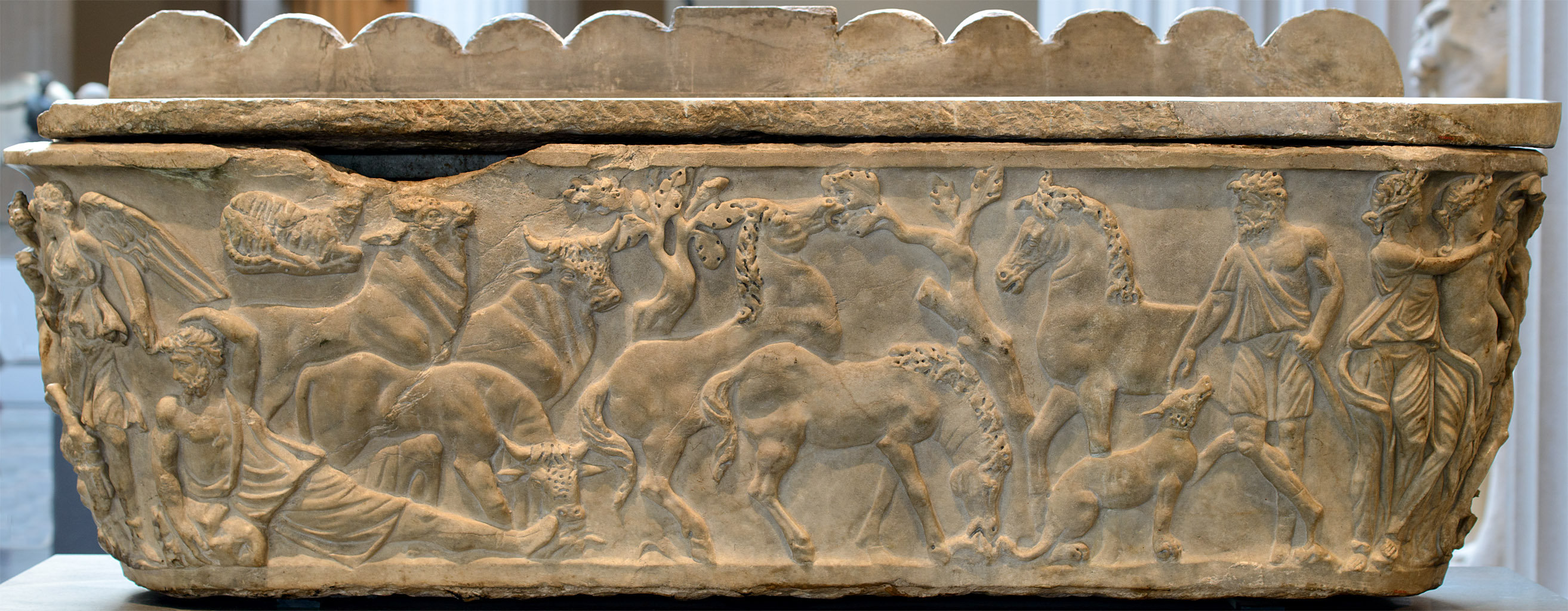 Sarcophagus with a myth of Selene and Endymion. The rear view. Marble. Early 3rd cent. CE. Inv. No. 47.100.4a, b. New York, the Metropolitan Museum of Art