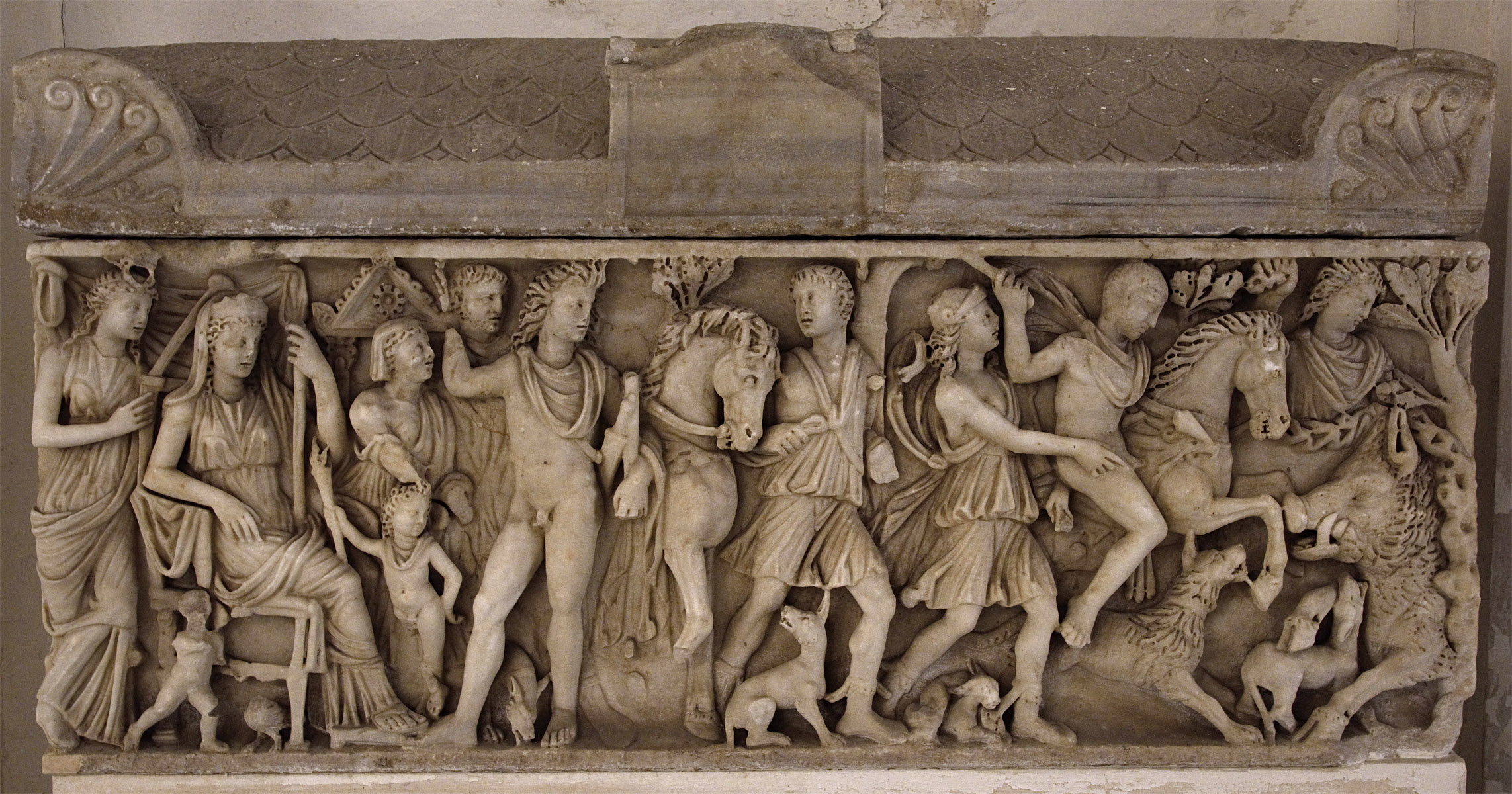 Sarcophagus with scenes of myth of Phaedra and Hippolytus. Marble. 240—250 СЕ. Local production (Campania workshop). Capua, Duomo, crypt