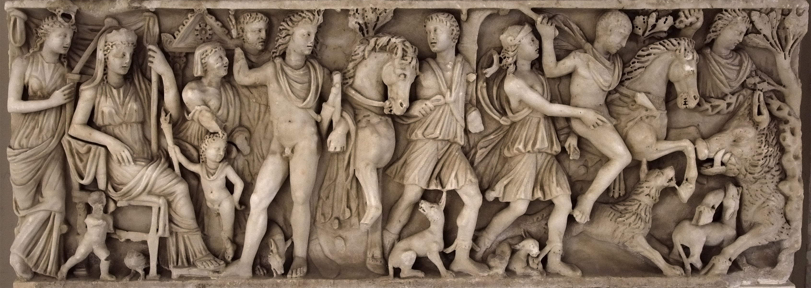 Sarcophagus with scenes of myth of Phaedra and Hippolytus (front panel). Marble. 240—250 СЕ. Local production (Campania workshop). Capua, Duomo, crypt