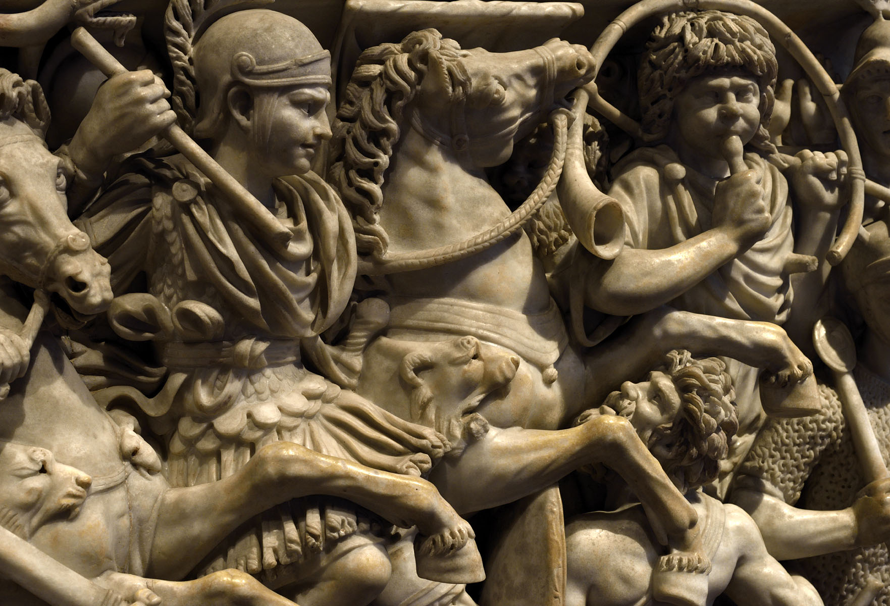 Sarcophagus with battle scene know as the Great Ludovisi sarcophagus. A close-up of the front panel. Proconnesus marble. Mid-3rd century CE. Inv. No. 8574. Rome, Roman National Museum, Palazzo Altemps