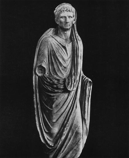 Statue of August from Corinth. Marble. Early 1st century. Corinth, Archaeological Museum of Ancient Corinth