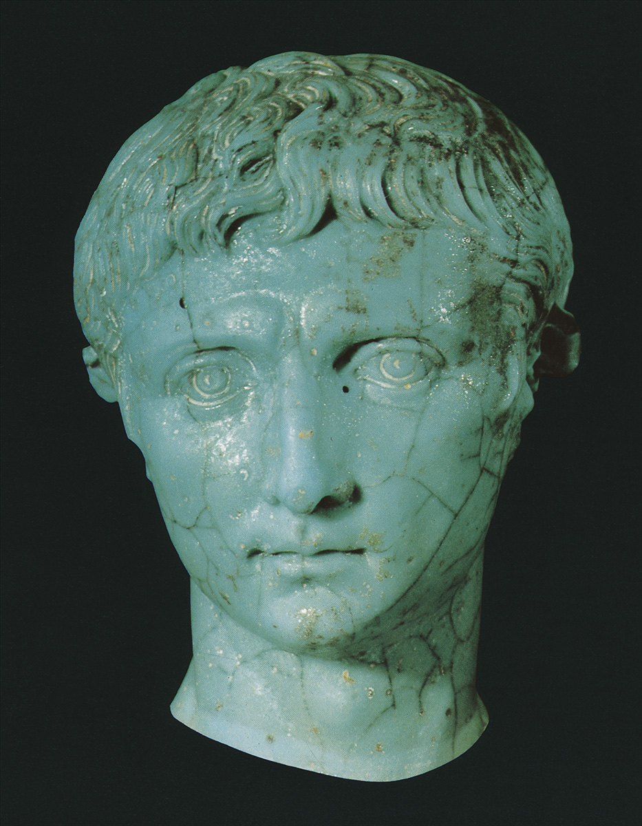 Sculptural portrait of the emperor August. Glass. First half of the 1st century, possibly, somewhat after. Height 4.7 cm. Inv. No. 64.33. Cologne, Romano-Germanic Museum