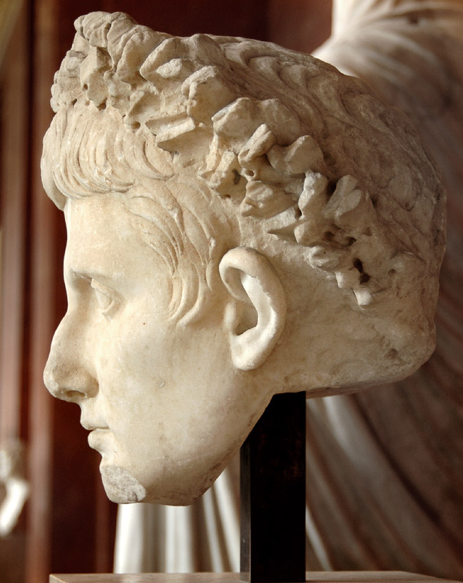Head of the emperor August. Marble. Ca. 41—54 CE. Inv. No. Cp 6363 (Ma 1246). Paris, Louvre Museum