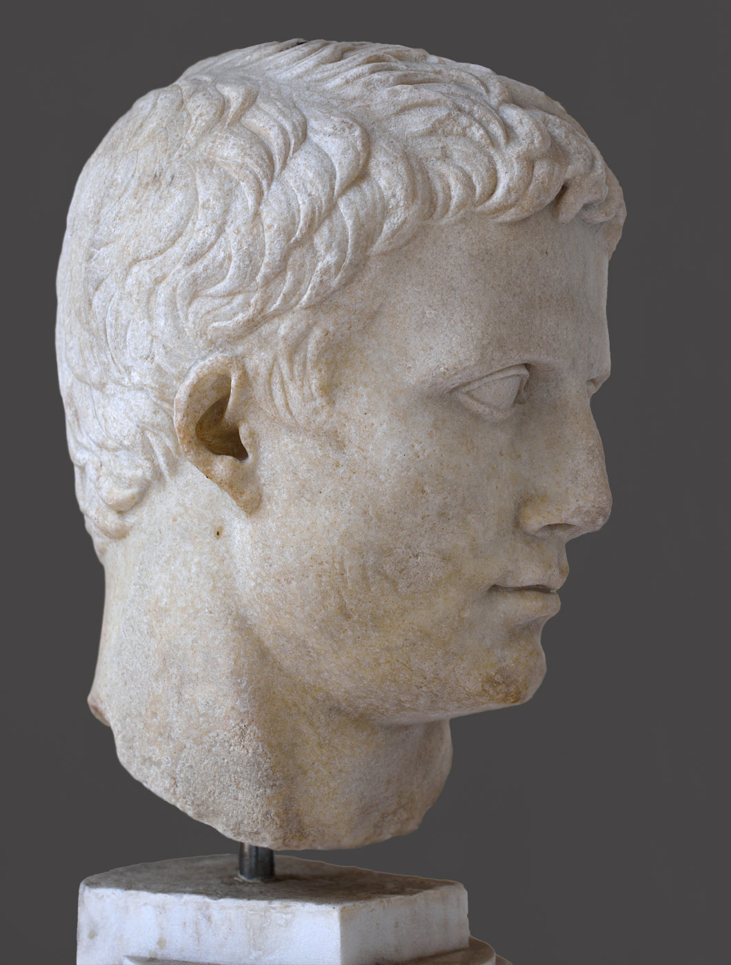 August (portrait head of Octavian before he was appointed the title of Augustus). Marble. Shortly before 27 BCE. Inv. No. 519691. Rome, Roman National Museum, Baths of Diocletian, Chiostro piccolo della Certosa