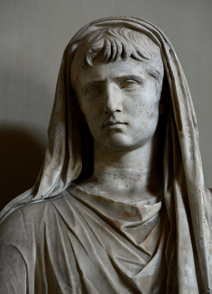 Sacrificing Gaius Caesar in toga (close-up). Marble. Inv. No. 199. Rome, Vatican Museums, Pius-Clementine Museum, Room of the Greek Cross, 69