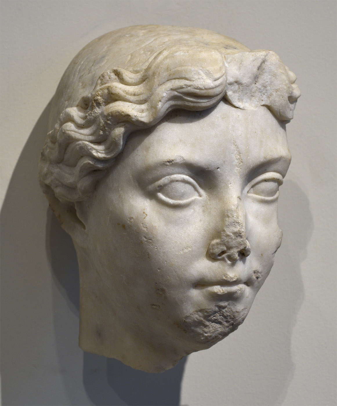Head of Livia. Marble. Tiberian age (14—37 CE). Inv. No. 18.145.45. New York, the Metropolitan Museum of Art