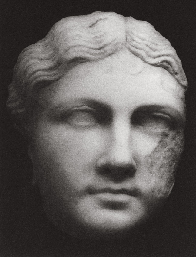Julia Livilla, sister of Caligula? (Variants: Antonia the Younger, or her daughter Livia Julia [Livilla].) The Leptis-Malte type. White marble. 37—39 CE.  Saintes, Archaeological Museum