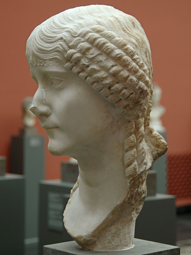 A Roman Woman. Marble. 30—50 CE. Height 39 cm. Inv. No. 751. Copenhagen, New Carlsberg Glyptotek