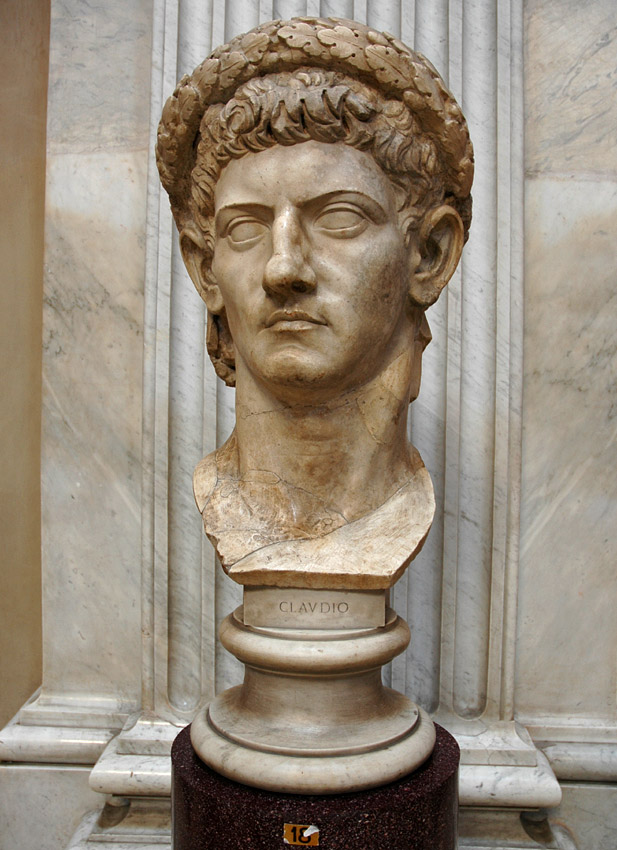 Head of Claudius wearing the civic wreath. Marble. Inv. No. 242. Rome, Vatican Museums, Pius-Clementine Museum, Round Room, 18