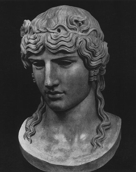 Head of Antinous. Marble. 130s CE. Paris, Louvre Museum