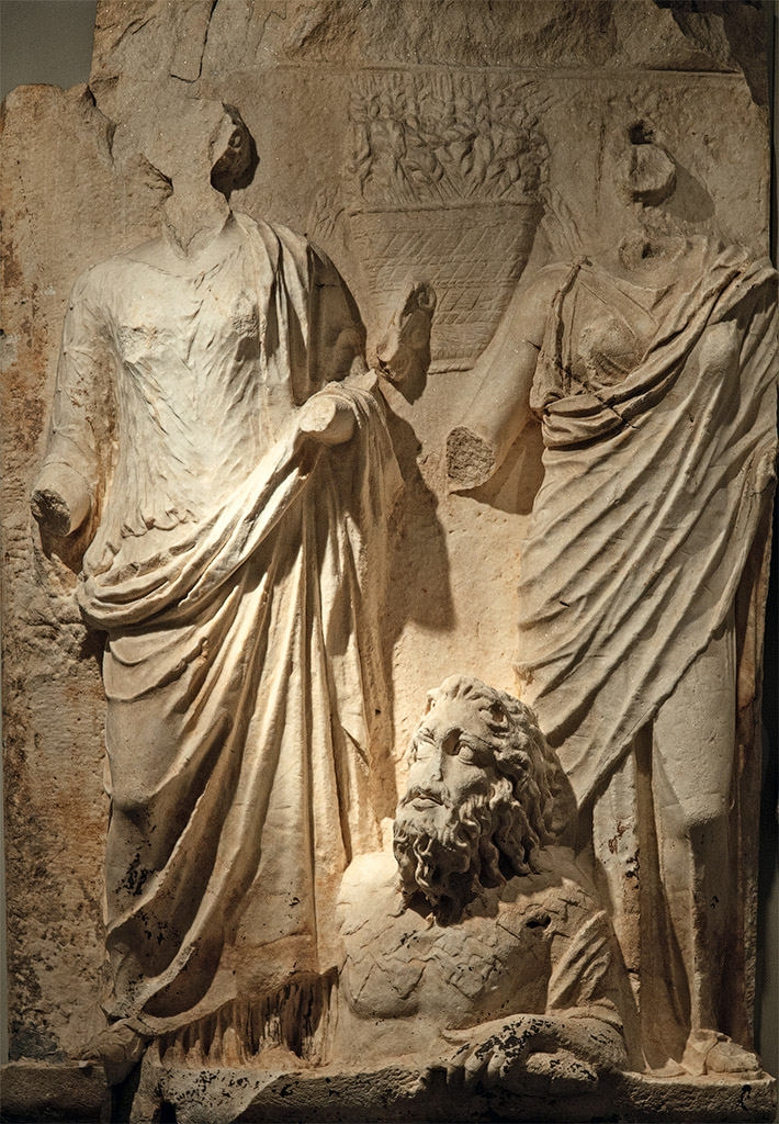 """Personifications of Cities: Ktesiphon and Seleukia (?), with a River God. Scene from a cycle """"Personifications of Cities of Roman Empire"""" of the Parthian frieze from Ephesos. Dolomitic marble from Thasos. After 169 (166?) CE. Vienna, Ephesos Museum"""