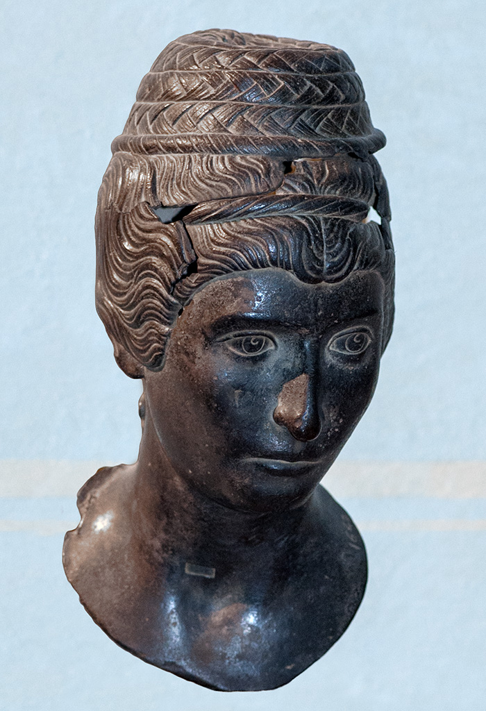 Portrait type of Faustina the Younger. Bronze. 140—150 CE. Inv. No. 1642. Florence, National Archaeological Museum