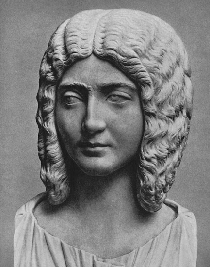 Portrait of Julia Domna. Marble. Ca. 200 CE. Munich, Glyptotek