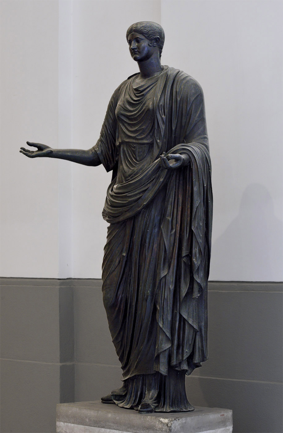 Antonia Minor. Bronze. 37—41 CE.  Inv. No. 5599. Naples, National Archaeological Museum