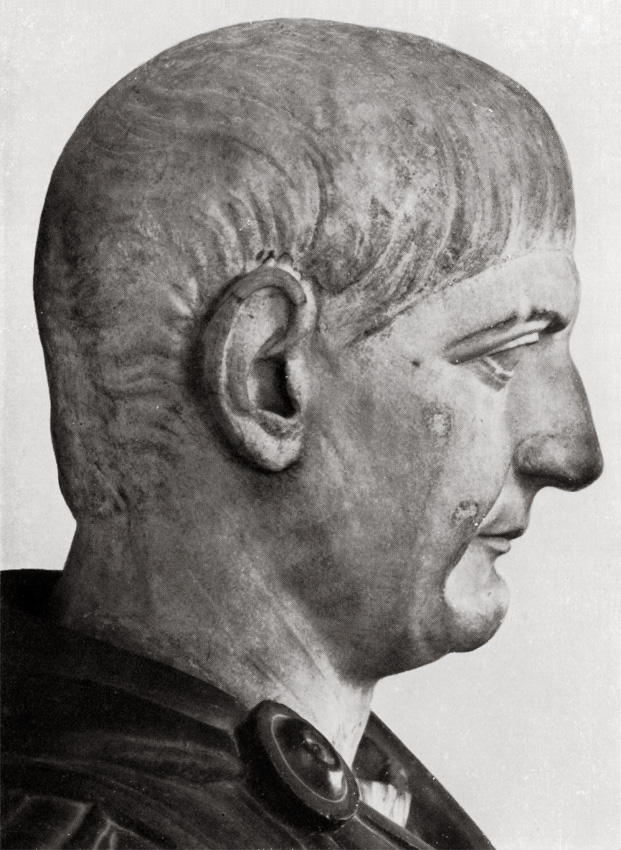 Bust with the head of Trajan. Detail. Greek marble. Ca. 105 CE. Total height 1.04 m, head 0.38 m. Inv. No. 142 (1914). Florence, Gallery of Uffizi