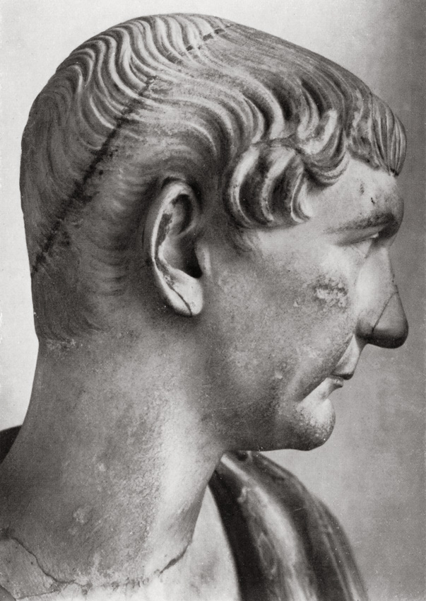 Bust with the head of Trajan. Detail. Greek marble. Ca. 110 CE. Total height 62.5 cm, ancient part 32.5 cm. Inv. No. 141 (1914). Florence, Gallery of Uffizi