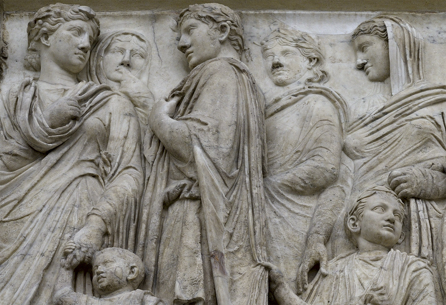 Antonia minor, Germanicus, Drusus, Antonia major and Cneus Domitius Ahenobarbus. South procession (close-up). 13—9 BCE. Rome, Museum of the Altar of Augustan Peace (Ara Pacis Augustae)