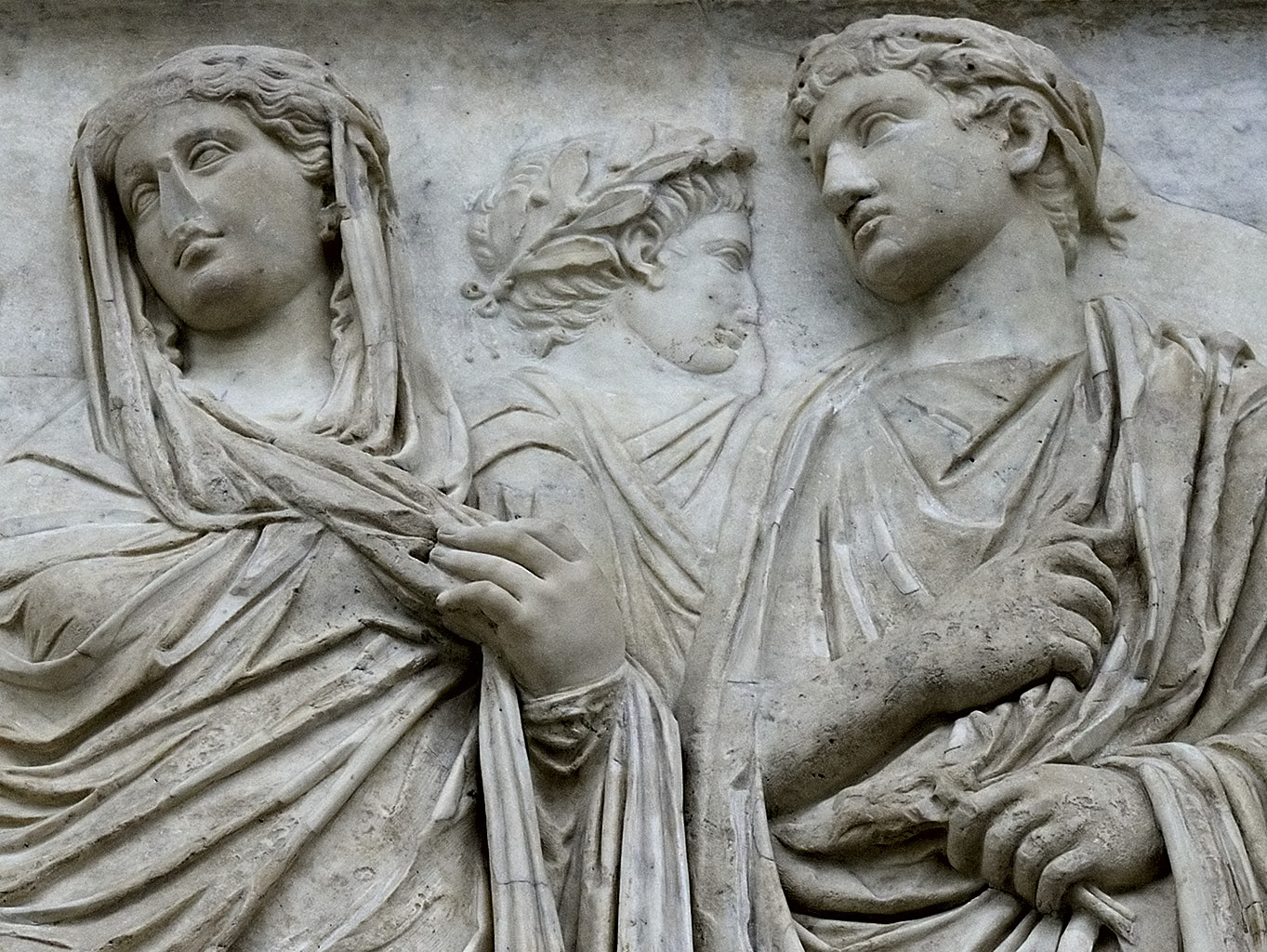Livia (Giulia?) and Tiberius. South procession (close-up). Rome, Museum of the Altar of Augustan Peace (Ara Pacis Augustae)