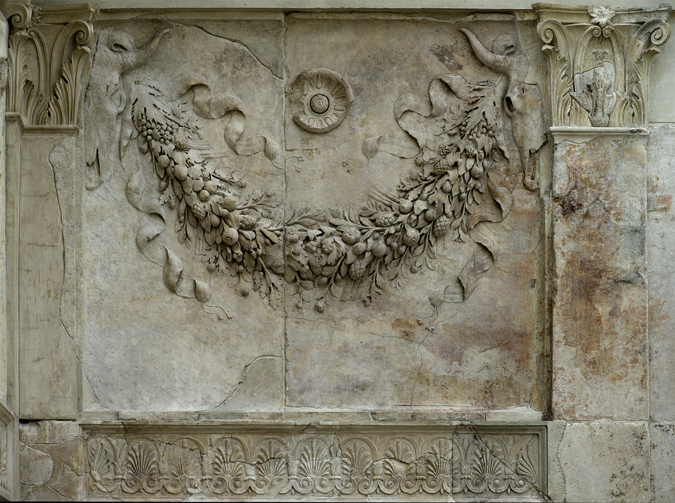 Detail of the upper register of the internal precinct.  Rome, Museum of the Altar of Augustan Peace (Ara Pacis Augustae)