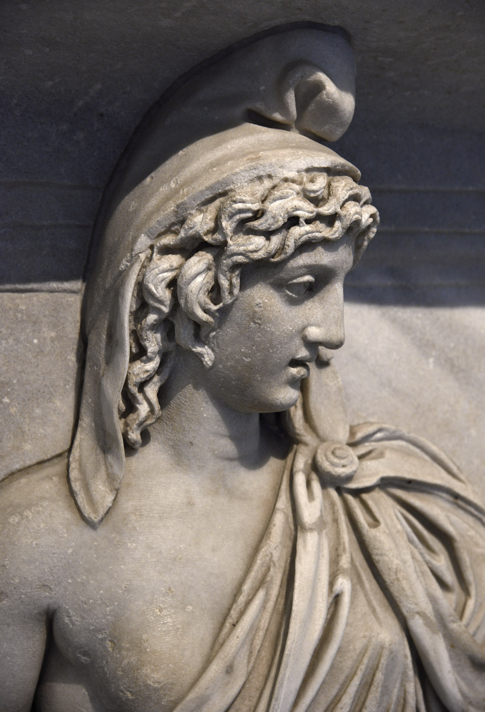 Personification of the Phrygia province (close-up). Relief of the Temple of Hadrian on Campus Martius. Proconnessian marble. 138—145 CE. Inv. No. 6763. Naples, National Archaeological Museum