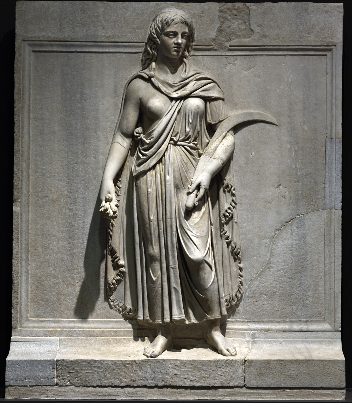 Personification of a province (Thrace ?). Relief of the Temple of Hadrian on Campus Martius. Proconnessian marble. 138—145 CE. Inv. No. 137. Rome, Roman National Museum, Palazzo Massimo alle Terme