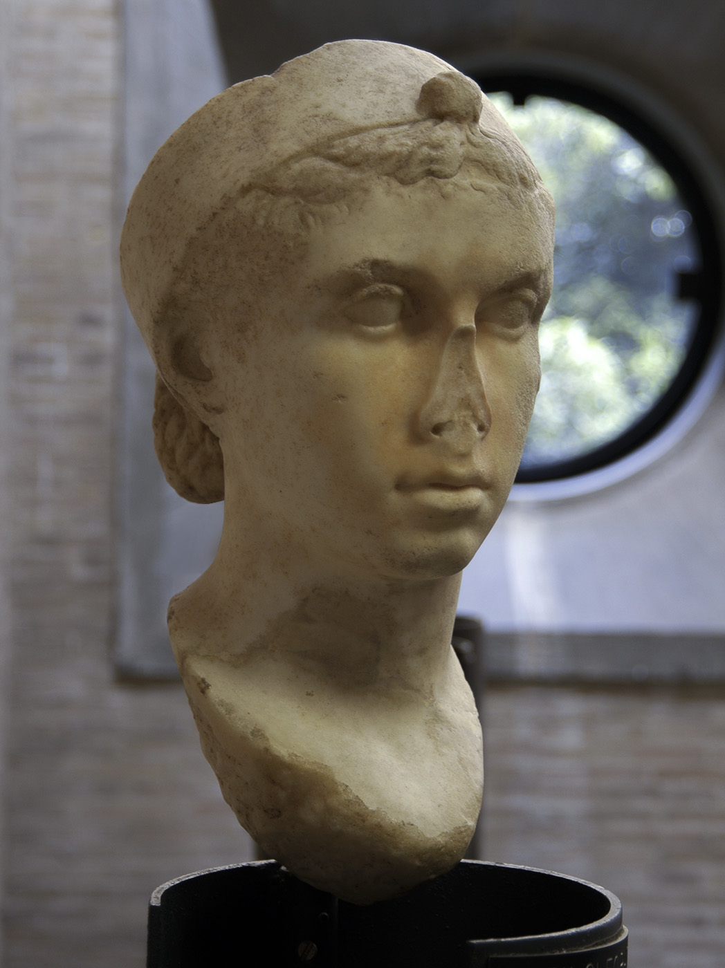 Portrait of Cleopatra VII (?). Marble. 40—30 BCE. Inv. No. 38511. Rome, Vatican Museums, Gregorian Profane Museum