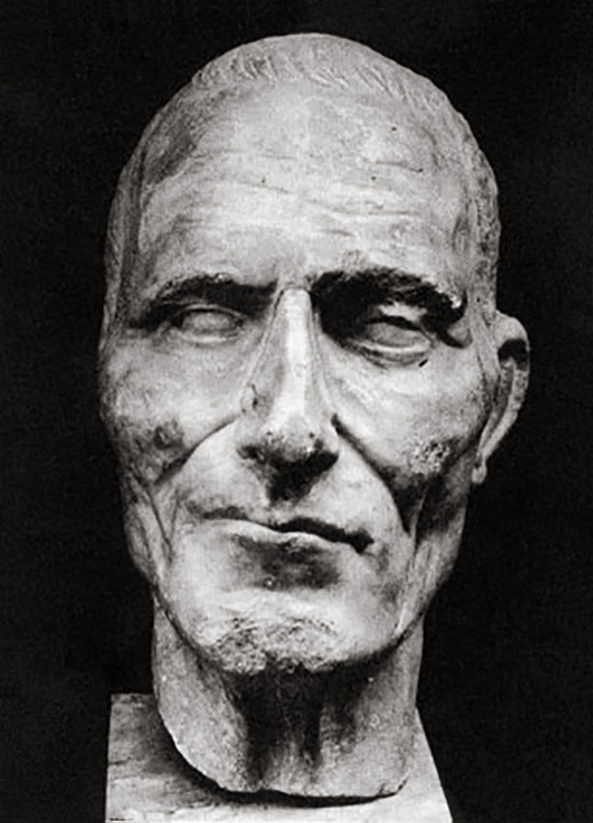 Portrait of an unknown man. Marble. 3rd quart. of the 1st cent. BCE. H. 27.4 cm. Turin, Museum of Antiquities