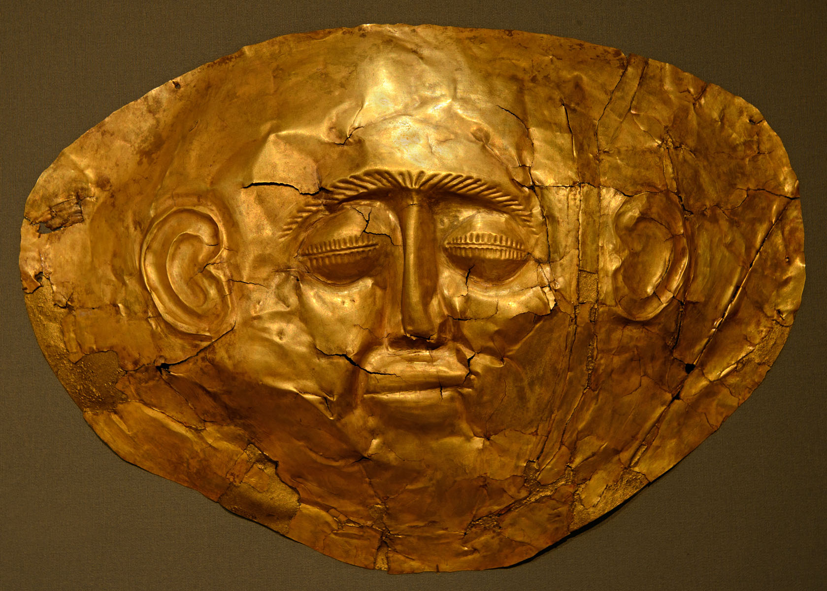Funeral mask. Hammered golden sheet. 1550—1500 BCE. Inv. No. 254. Athens, National Archaeological Museum