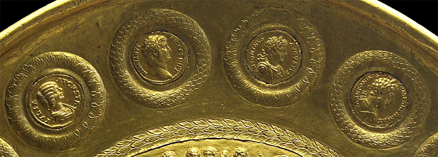 Patera of Rennes (close-up). Gold. Early 3rd century CE. Diameter 25 cm, weight 1375 g. Inv. No. 56.94. Paris, National Library, Cabinet des Médailles