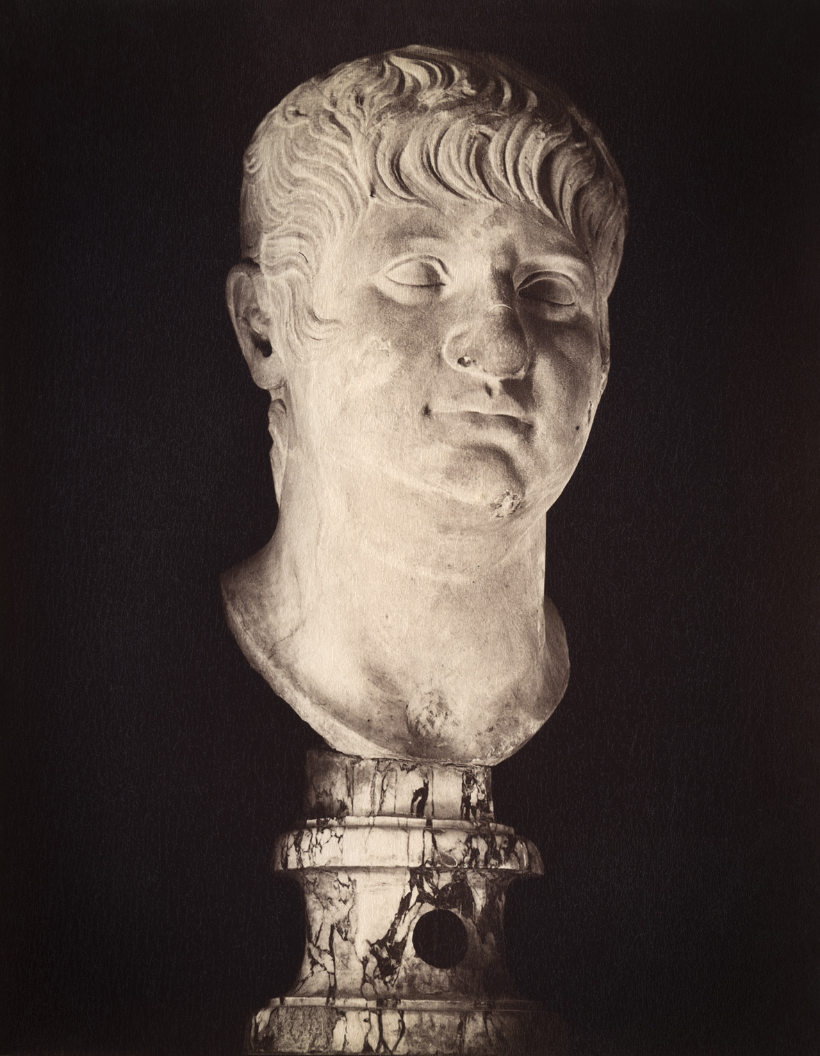 Nero in the mature age. Marble. Rome, Capitoline Museums, Palazzo Nuovo, Hall of the Emperors