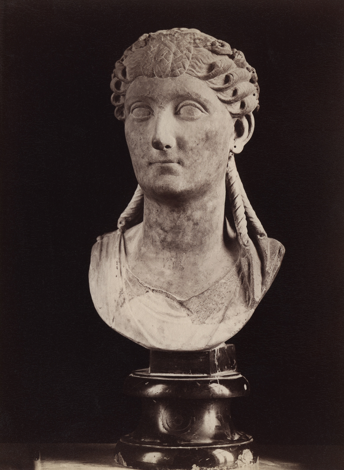 Antonia the Younger, the wife of Drusus the Elder. Marble. 1st century. Rome, Capitoline Museums, Palazzo Nuovo, Hall of the Emperors