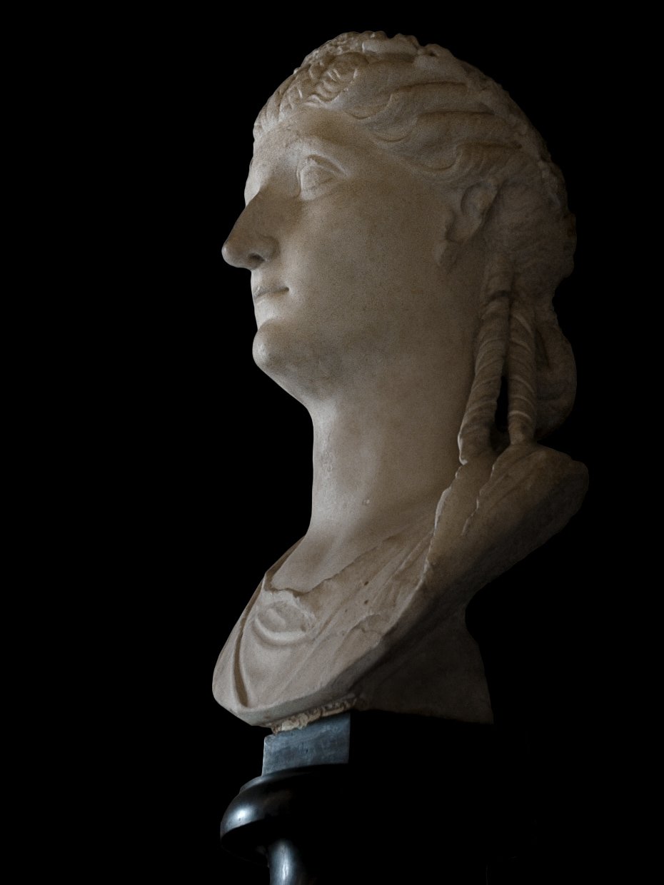 Female portrait. Marble. 27 BCE — 14 CE.  Inv. No. MC419. Rome, Capitoline Museums, Palazzo Nuovo, Hall of the Emperors