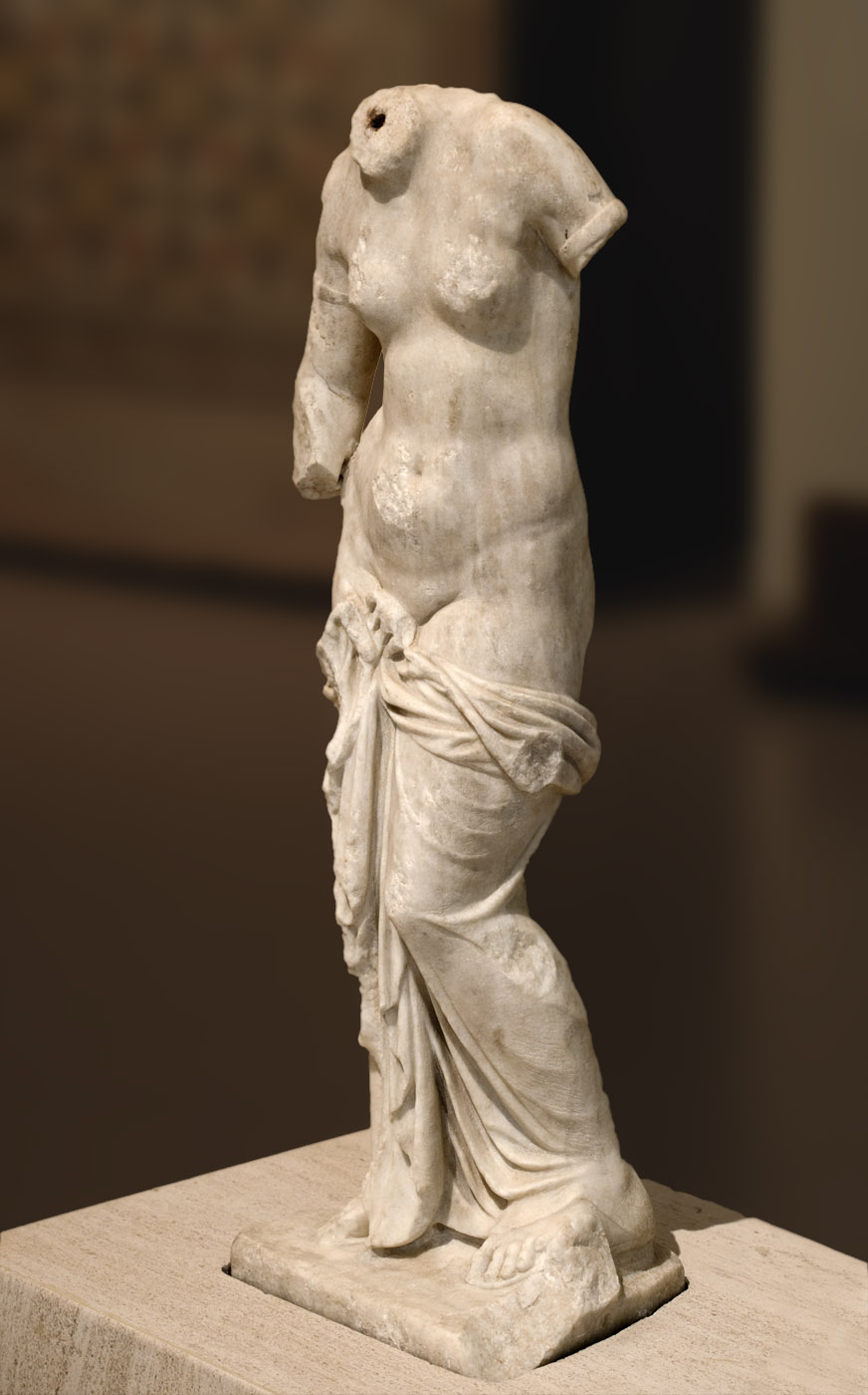 Small statue of Aphrodite (Venus). Roman copy of a Greek original. Marble. 1st—2nd cent. CE. Patras, New Archaeological Museum
