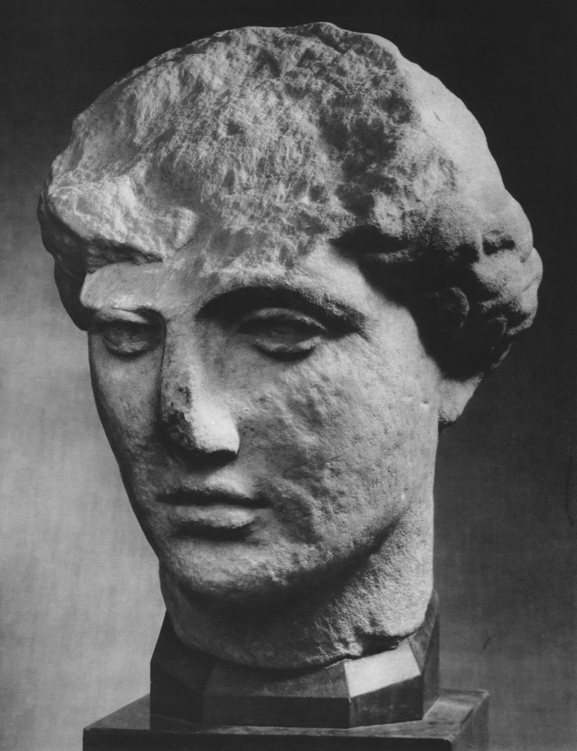 Female head. Marble. Second half of the 5th cent. BCE. Berlin, State Museums