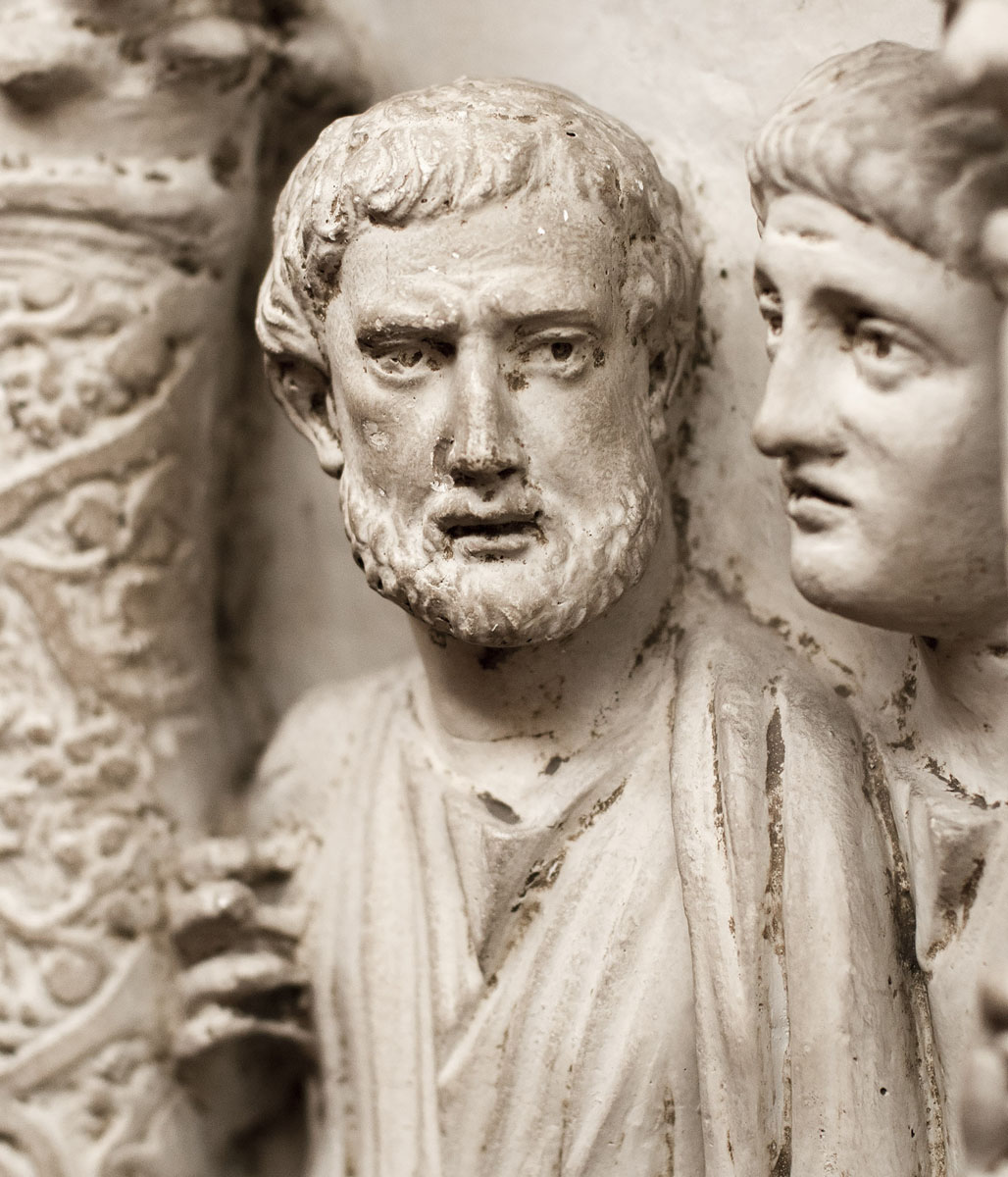 Cast of a sarcophagus with Traditio Legis in the Vatican Grottoes. Detail of the front side: Luke the Evangelist (?). Original (inv. 174): marble, c. 350—375 CE. Inv. No. 31528 (ex XXV). Rome, Vatican Museums, Pio-Christian Museum