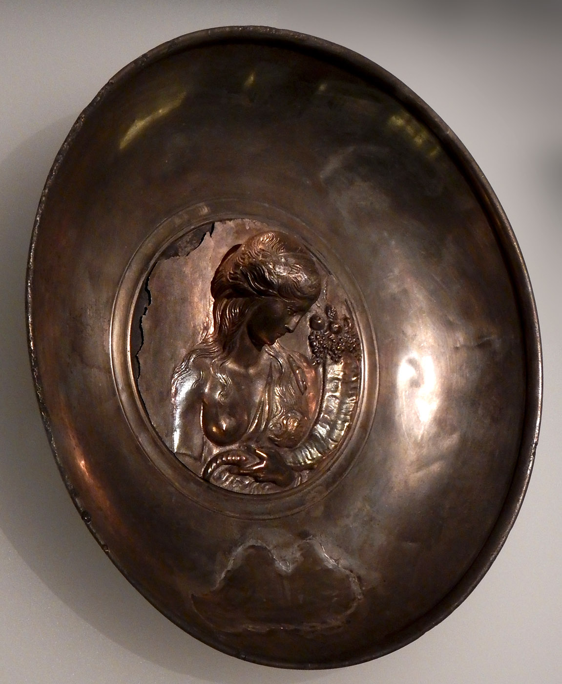 Phiale with an image of a goddess (Fortuna or Amalthea with cornucopia. Silver, partially gilt. 2nd cent. CE. Presumably Iberian work. Tbilisi, Georgian National Museum