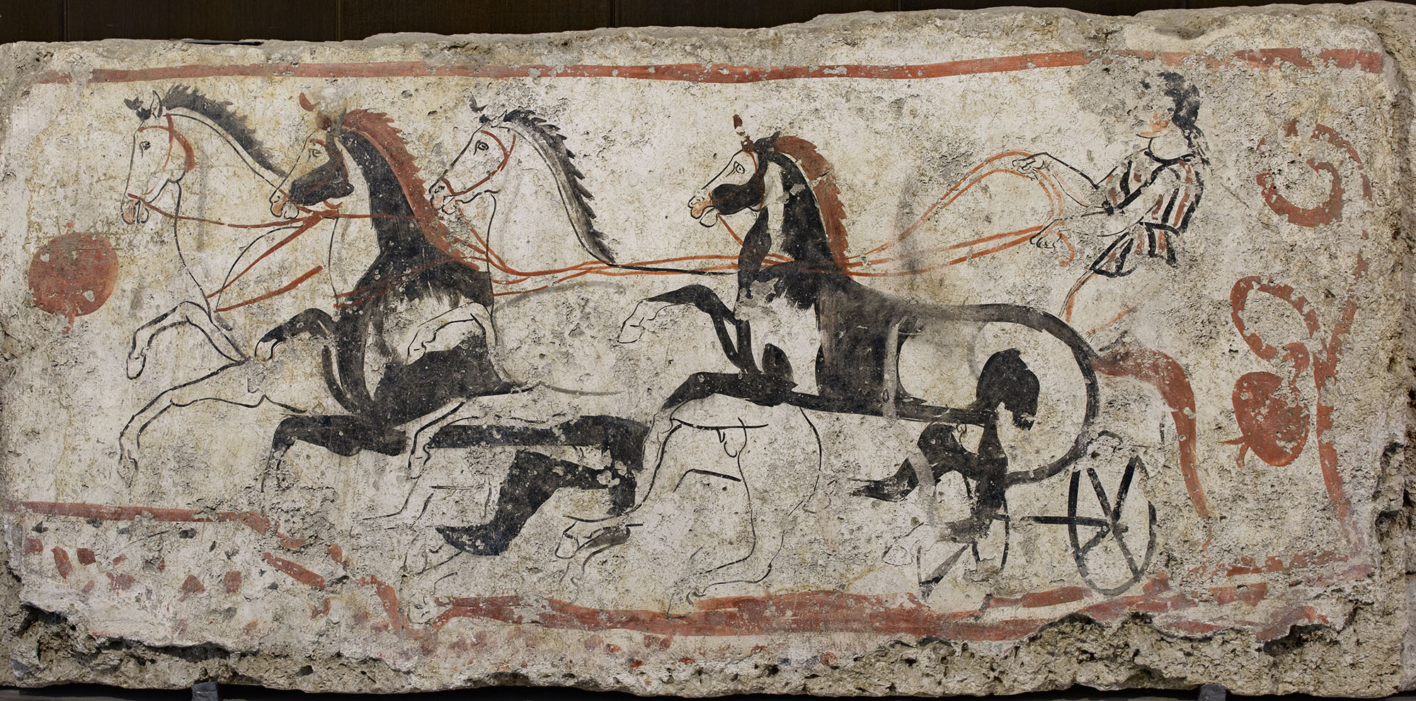A chariot race. Fresco on the inside side of sarcophagus slab from a Lucanian Tomb. 340—330 BCE. Paestum, National Archaeological Museum