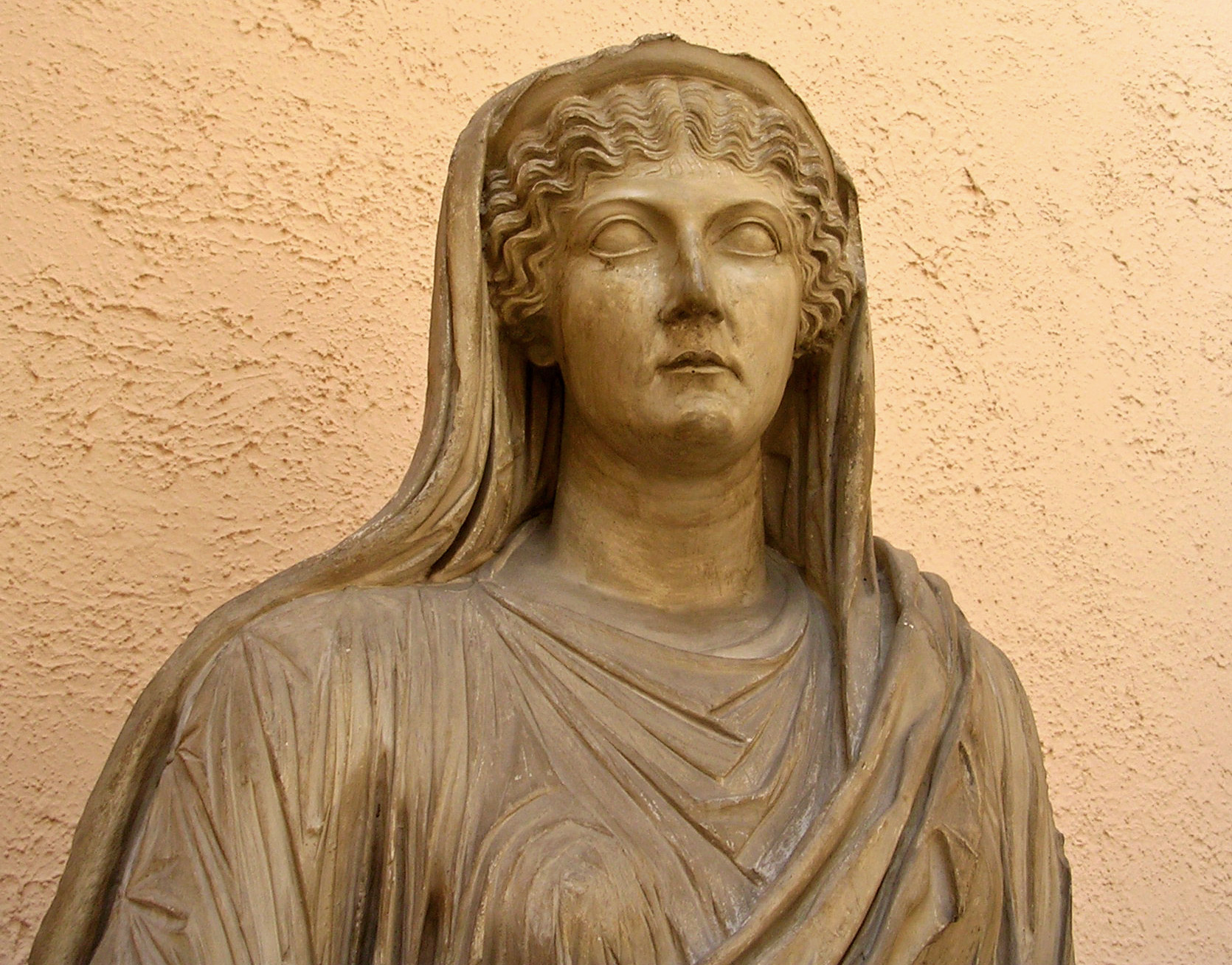Livia (or Drusilla?). Inv. No. MCR 291. Plaster cast. Original: Pentelic marble, reign of Caligula (37—41 CE). Rome, Museum of Roman Civilization